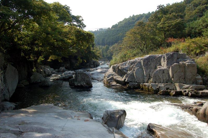 自然エネルギー:兵庫県有数の清流景勝地が小水力 …